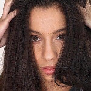 Izabella Alvarez 2 of 6