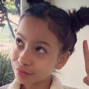 Izabella Alvarez 5 of 6