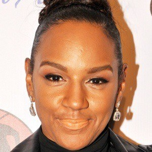 Jackie Christie 5 of 10