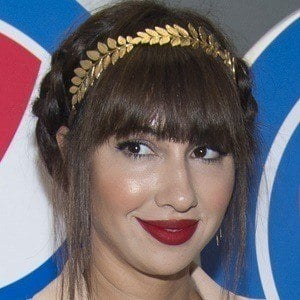 Jackie Cruz 3 of 5