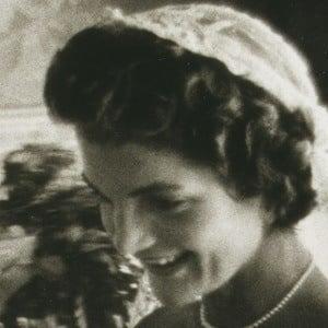 Jacqueline Kennedy Onassis 2 of 5