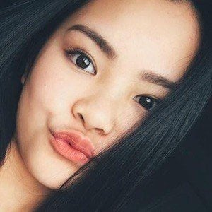 Jade Lo 3 of 6