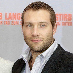 Jai Courtney 5 of 10