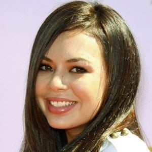 Janel Parrish 9 of 10