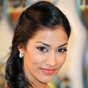 Janina Gavankar 7 of 10