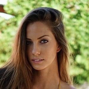 Janna Breslin 2 of 6