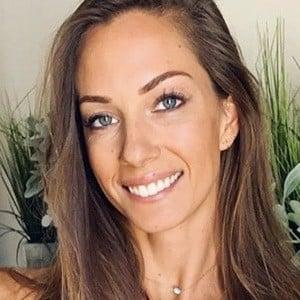 Janna Breslin 3 of 6