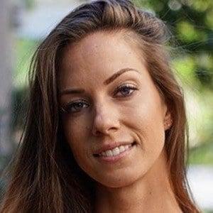 Janna Breslin 4 of 6