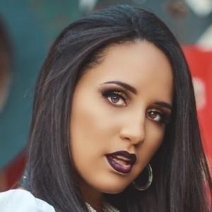 Jannely Fernandez 5 of 8