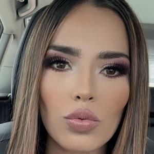 Jasia Flores 2 of 10
