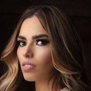 Jasia Flores 7 of 10