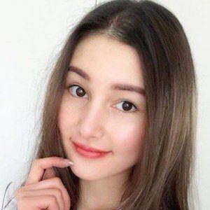 Jasmine Lipska 4 of 10