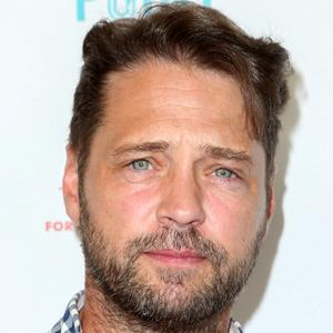 Jason Priestley 6 of 10