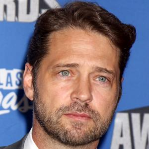 Jason Priestley 7 of 10