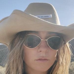 Angelina Nicolle Headshot 9 of 10