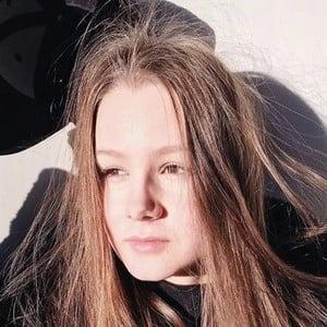 Jenna Licciardo-Toivola 2 of 6