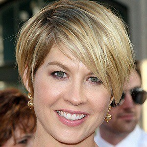 Jenna Elfman 2 of 9