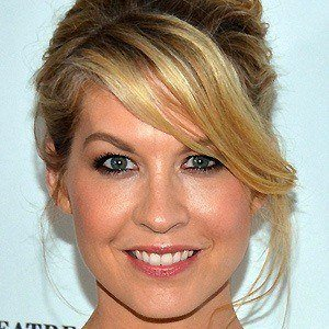 Jenna Elfman 3 of 9