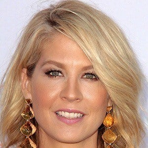 Jenna Elfman 4 of 9