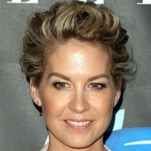 Jenna Elfman 6 of 9