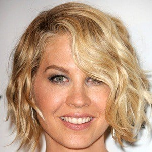 Jenna Elfman 8 of 9