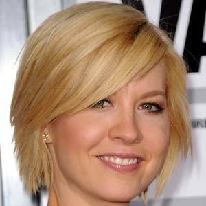 Jenna Elfman 9 of 9