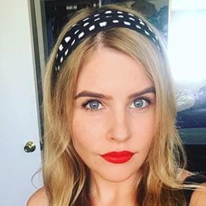 Jenna Rosenow 6 of 6
