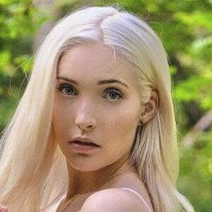 Jenna Twitch 6 of 10