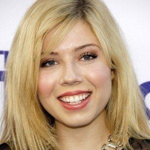 Jennette McCurdy 2 of 9