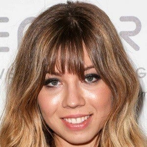 Jennette McCurdy 8 of 9