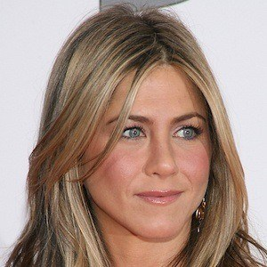 Jennifer Aniston 5 of 10