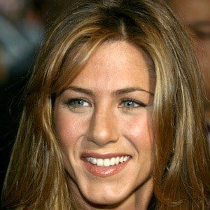 Jennifer Aniston 9 of 10