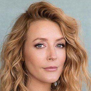 Jennifer Finnigan 4 of 6