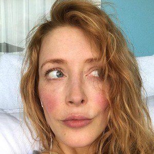 Jennifer Finnigan 5 of 6