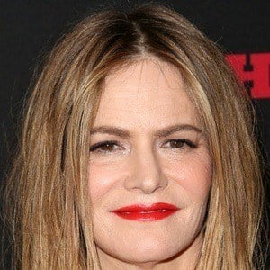 Jennifer Jason Leigh 8 of 9