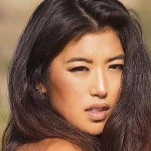 Jennifer Lee 3 of 6