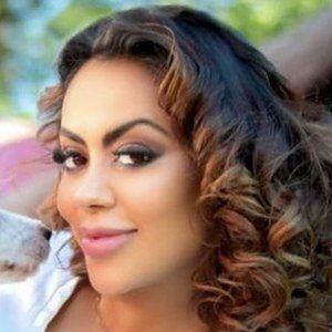 Jennifer Ruiz Diaz Headshot 2 of 10