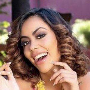 Jennifer Ruiz Diaz Headshot 3 of 10