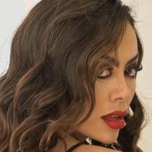Jennifer Ruiz Diaz Headshot 4 of 10