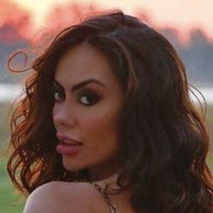 Jennifer Ruiz Diaz Headshot 9 of 10