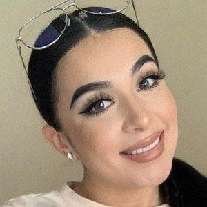 Jenny Peña Headshot 7 of 10