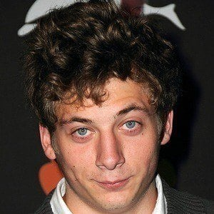 Jeremy Allen White 3 of 5