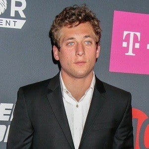 Jeremy Allen White 4 of 5