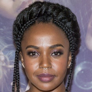 Jerrika Hinton 5 of 9