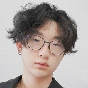 Jesse Kim 4 of 10