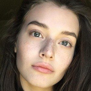Jessica Clements 7 of 7