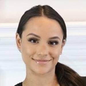 Jessica Graf 2 of 6