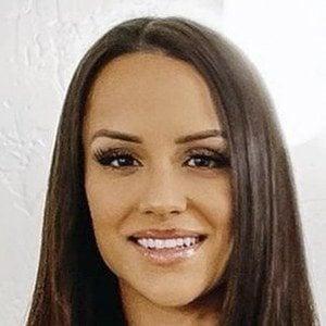 Jessica Graf Headshot 9 of 10