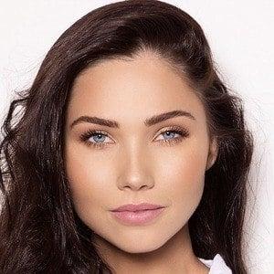 Jessica Green 8 of 10