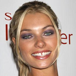 Jessica Hart 8 of 9
